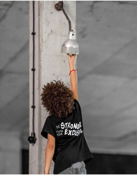 Tshirt Strong Black