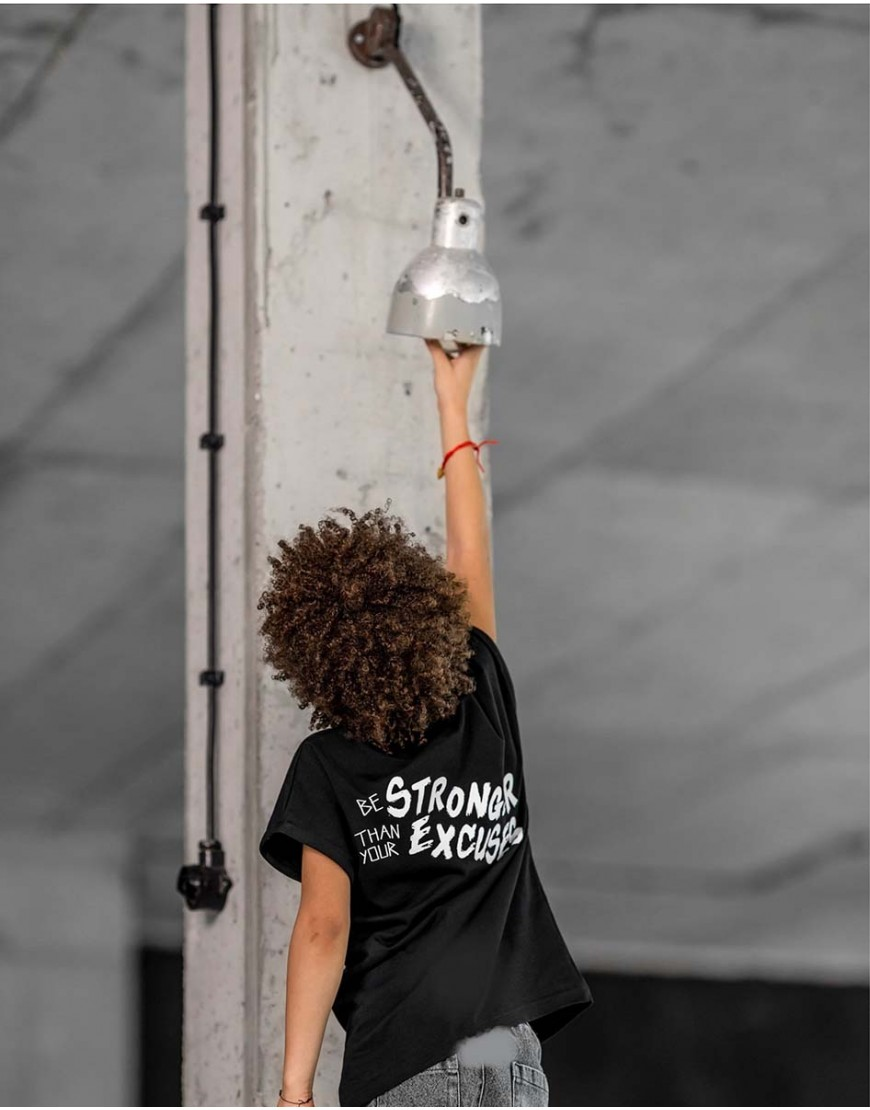 Tshirt Strong Black